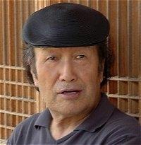 윤재천 수필가